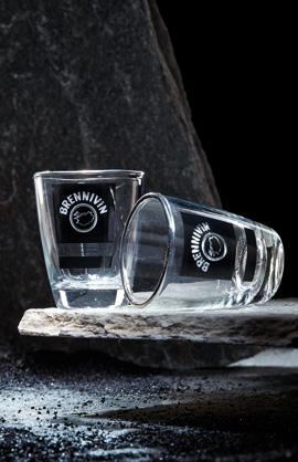 Shot Gläser mit Brennivin Logo